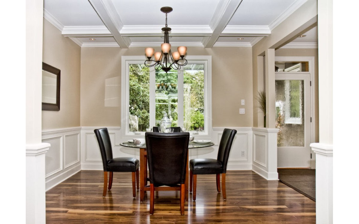 The Best Rooms for Crown Molding