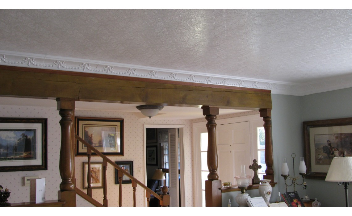 Crown Molding and Its Ability to Blend with Architecture